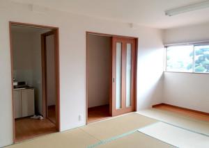 10畳と6畳のお部屋があります